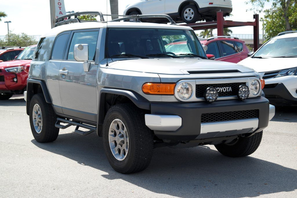 Pre Owned 2012 Toyota FJ Cruiser 4DR 4WD AT